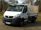 Camion benne pour la livraison du bois de chauffage