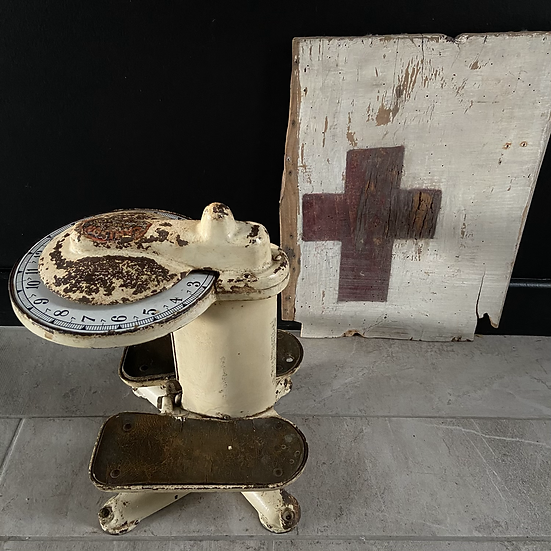 1920's/30's Salter Scales for Bathroom or Dr's Surgery with Enamel Dial