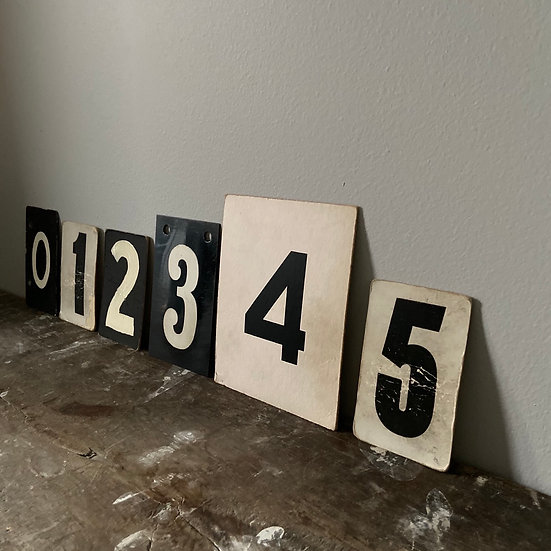 A Collection of Vintage Numbers 0-5