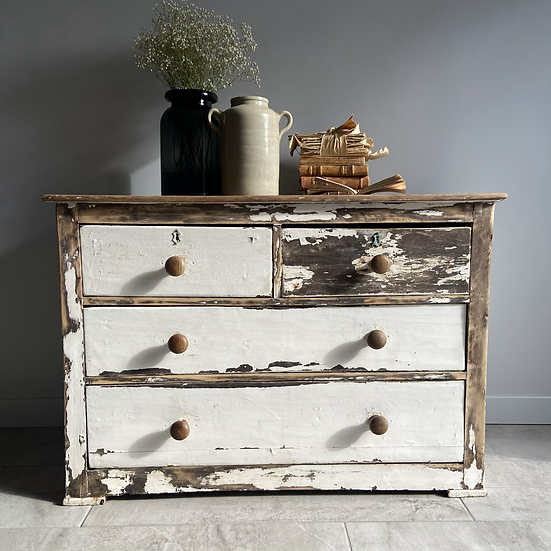 Large White Chippy Paint 2 Over 2 Drawers
