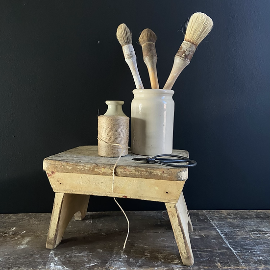 Rustic French Vintage Chippy Paint Stool/Plinth