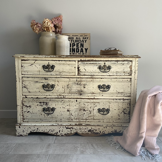 Gloriously Chippy Vintage Chest of 2/2 Drawers