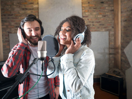 Vocal Lessons Online Or In A Studio?