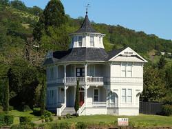 640px-Parrott_House_-_Roseburg_Oregon
