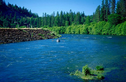 640px-Rogue_River_Jackson_County_Oregon