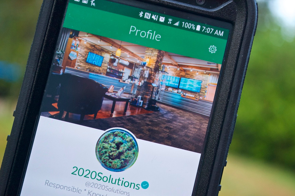 2020-solutions-massroots-phone