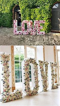 Lettres Géantes LOVE fleuries