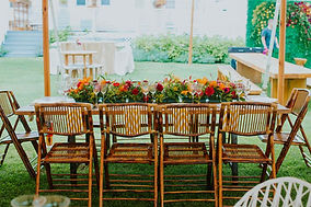 outdoor-dining-table-dressed-up.jpg