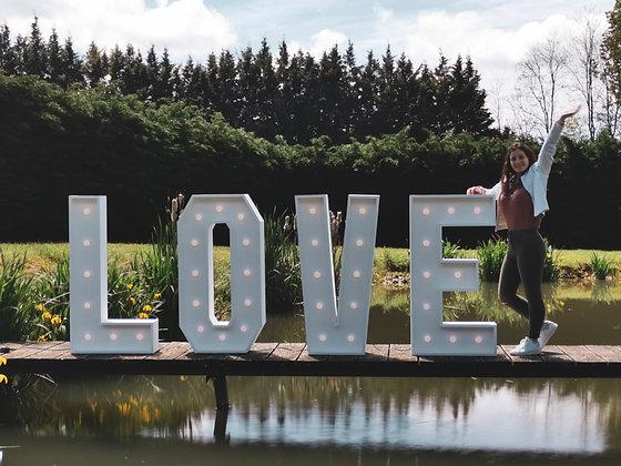 Lettres Géantes LOVE lumineuses