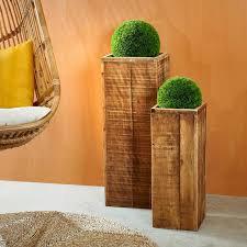 Supports à fleurs en bois