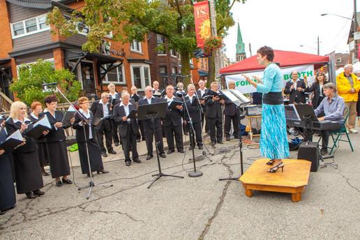 SOI Choir locke St. 2.jpg