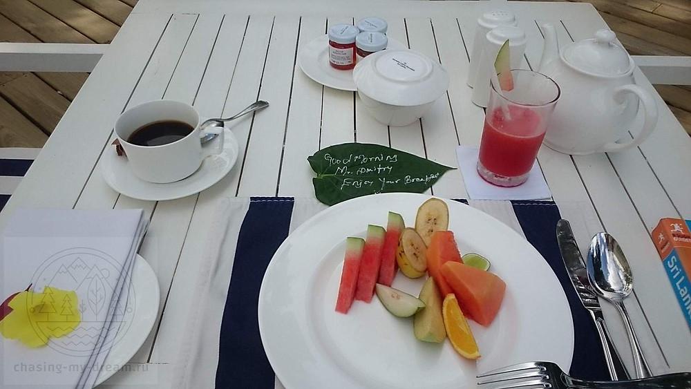 завтрак в отеле Anilana Nilaveli, Шри-Ланка