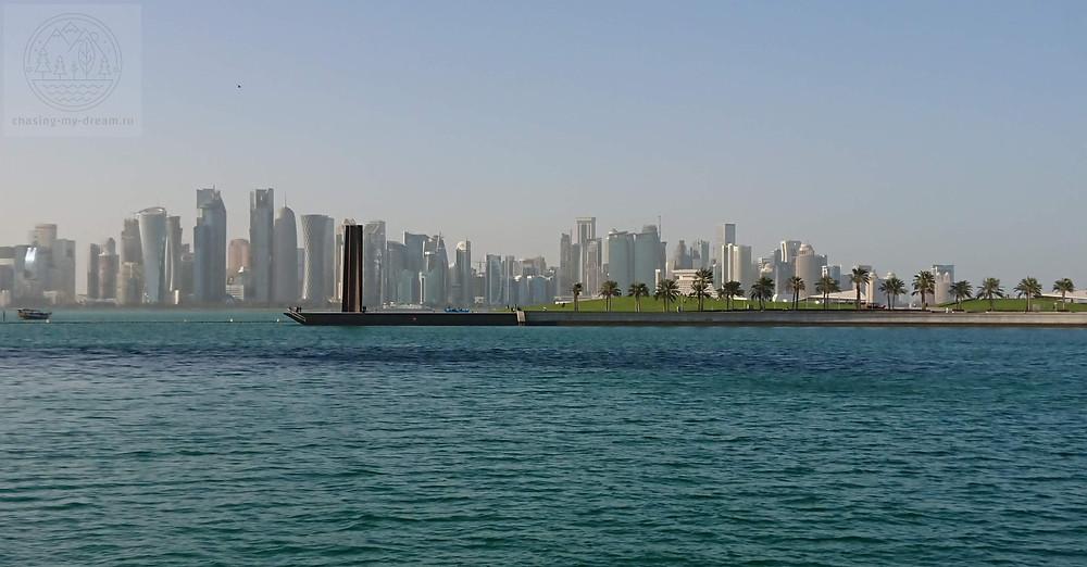 вид на залив из парка Mia park в Дохе - самобытно по миру