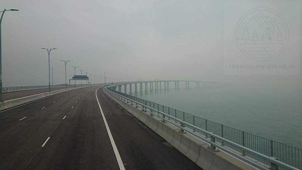 дорога по мосту HZMB в сторону Макао - самобытно по миру