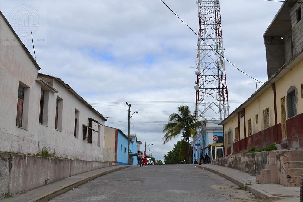 улочки города Сьенфуэгос - самобытно по миру на Кубе