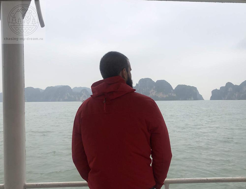 самобытно по миру - посмотрели бухту Халонг