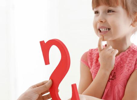 Crianças que demoram a falar podem não ouvir bem