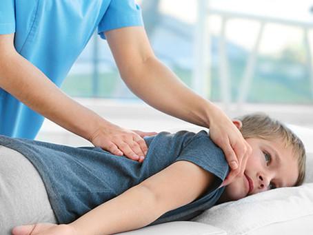 Microfisioterapia é uma alternativa para tratamentos sem medicação em crianças