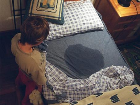Xixi na cama, um transtorno negligenciado e que deve ser tratado