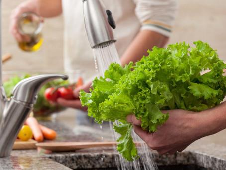 Hepatites virais: você sabia que algumas boas práticas podem evitar a contaminação dos alimentos?