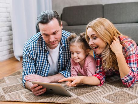 Da maneira adequada, celulares e internet devem fazer parte da vida da criança