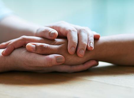 Sabe o que fazer para ajudar uma pessoa em ataque de pânico?