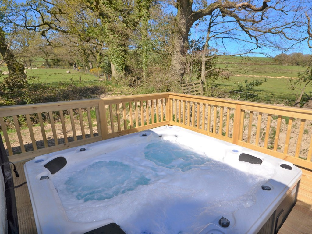 Luxury Lodges for sale with hot tub in Devon