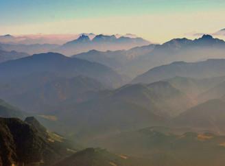 Alpen im Dunst (2).JPG