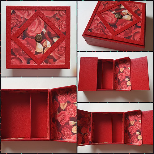 Boîte carrée rouge