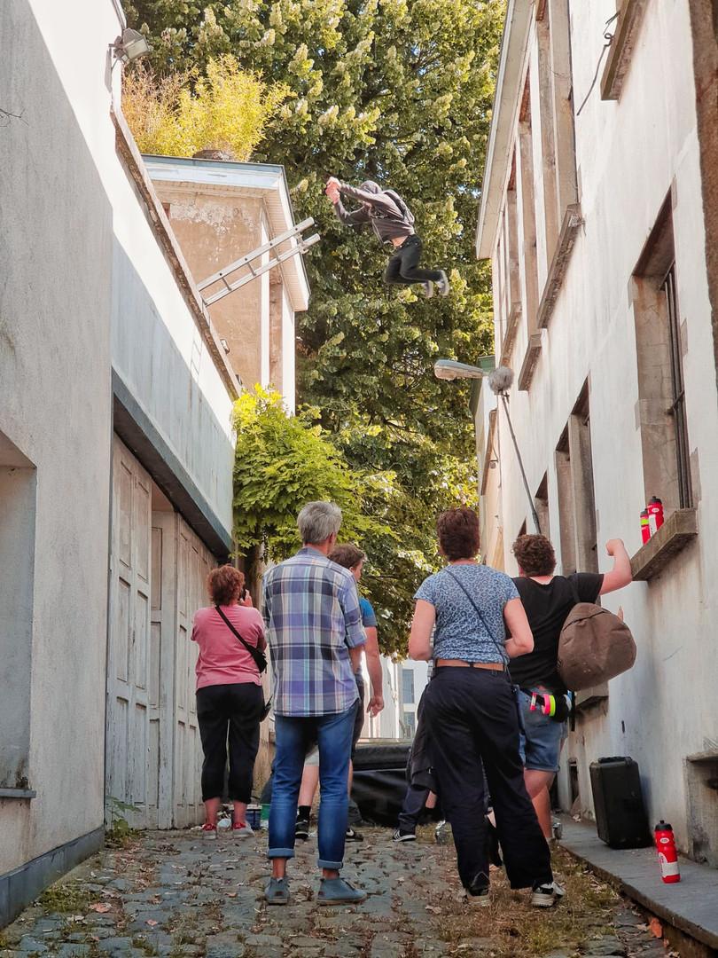 jump steeg hoodie 02.jpg