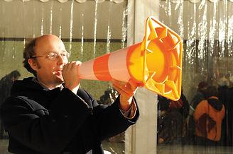 Kolumnenmacher für Okt moi + Trichter_22-1-2010_trichtereien_PP_Martin Kirnbauer.jpg