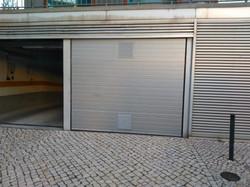 Portão Seccionado c/Grelhas