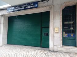 Portão Seccionado Cor Verde RAL 6005 c/Porta de Homem