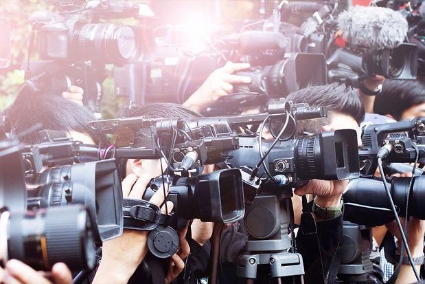 20150702201639-press-media-interview-rep