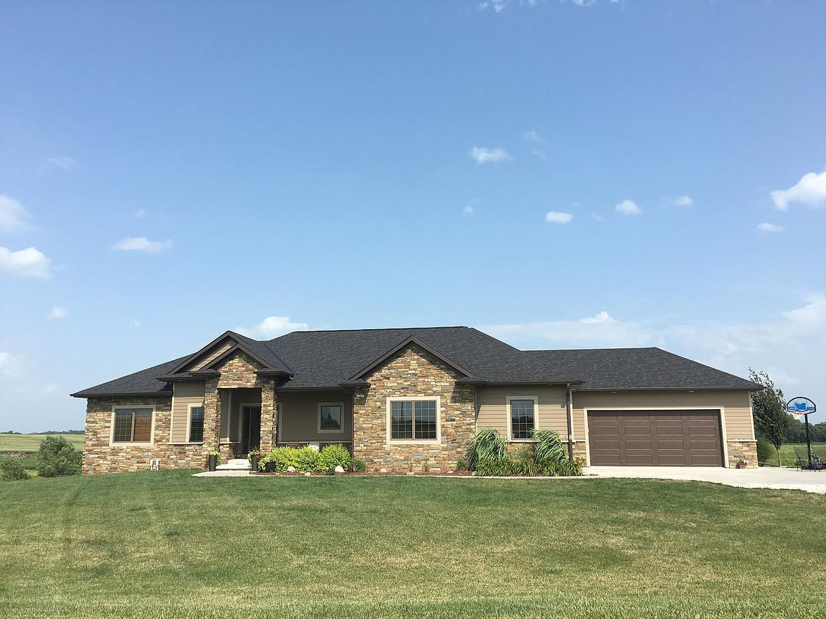 Buck's Creek Prairie | Stone Veneer