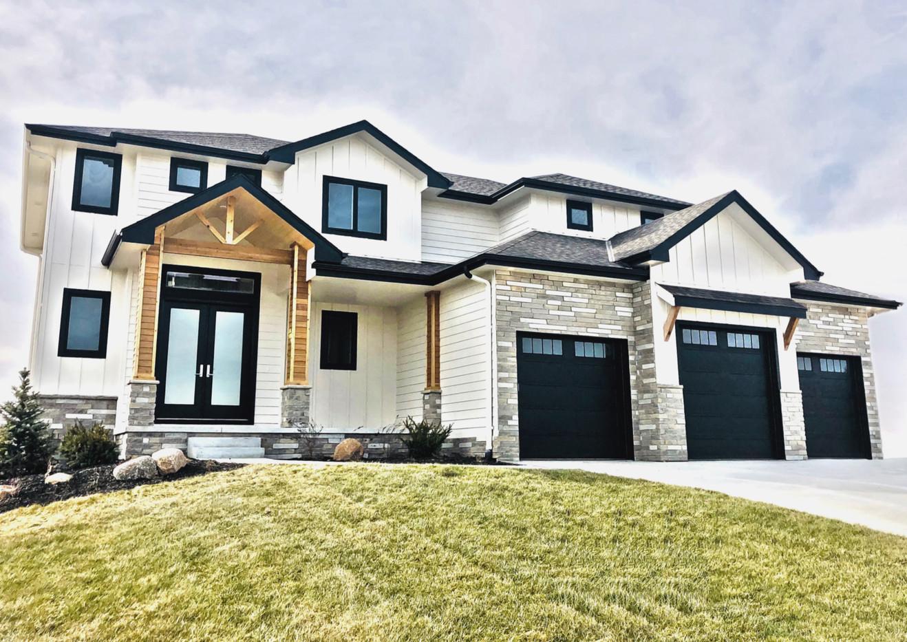 Flint Hills Multiledge 35 | Stone Veneer