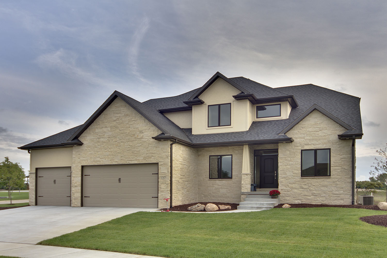 Cottonwood Dimensional | Natural Stone Veneer