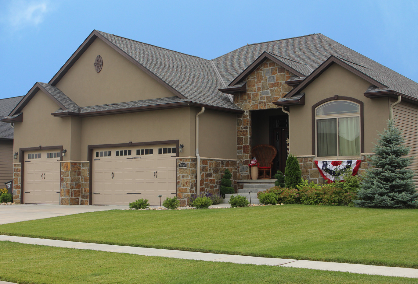 Dark Hickory Manor | Stone Veneer