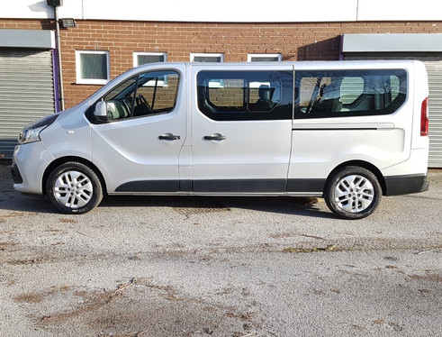 8 seater airport taxi transfers taunton.