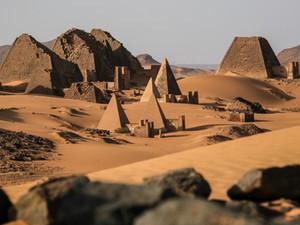 Pyramidy v Súdánu: překvapení v poušti
