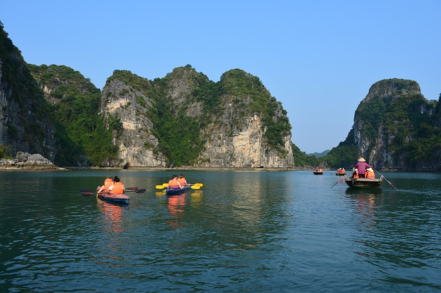 ha-long-bay-2404431_640