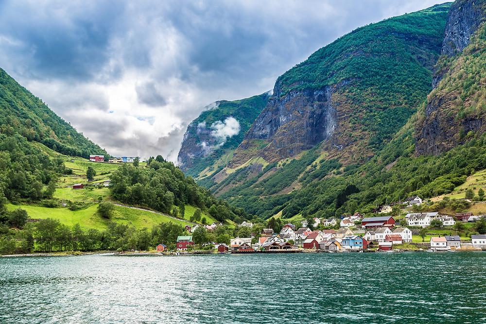 klidné vody norského fjordu