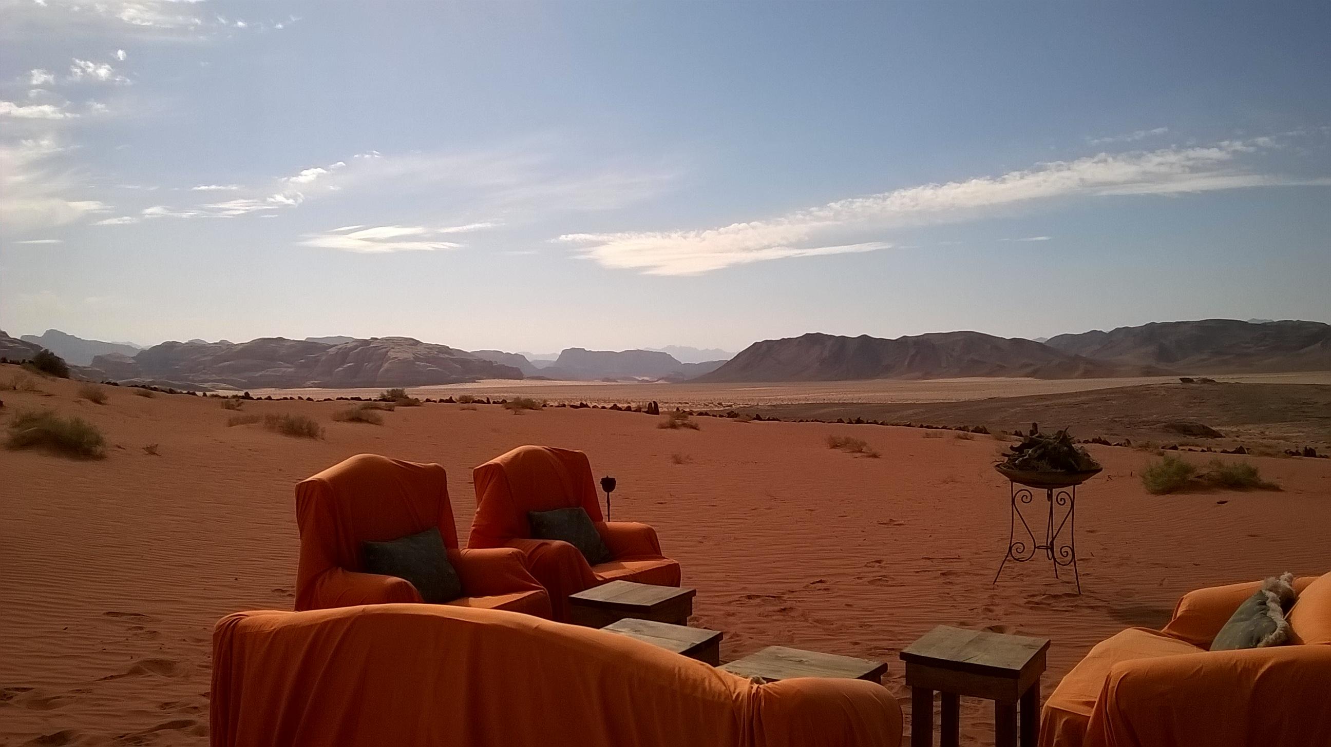 Posezení ve Wadi Rum