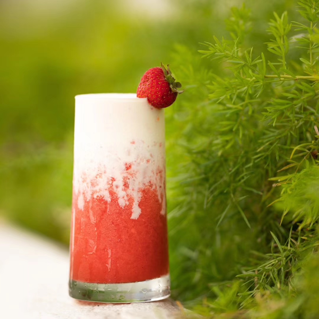 Strawberry Milk Tea w/ Cheese Foam
