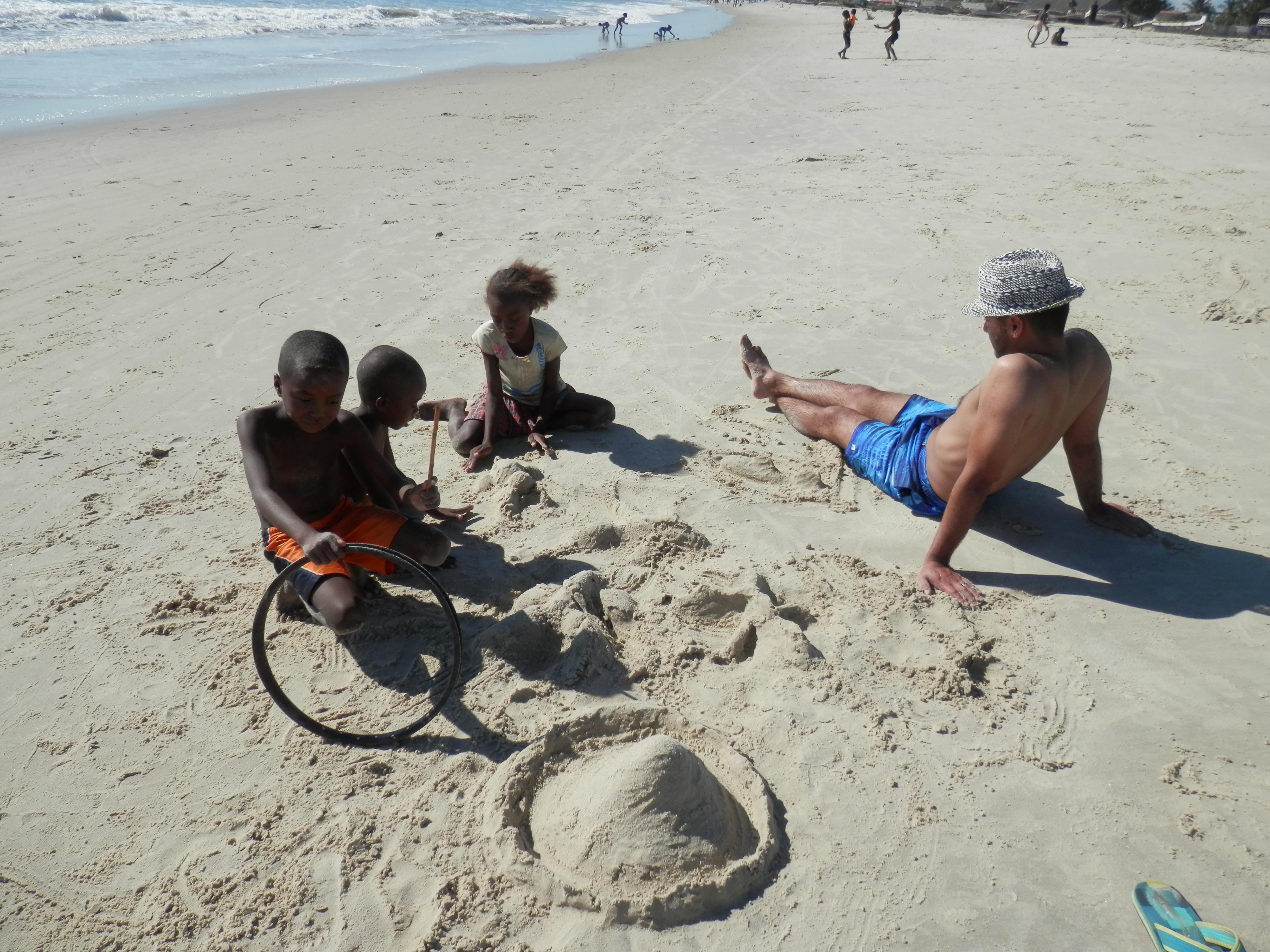 Morondava, děti na pláži