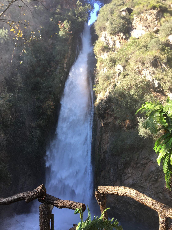 Vodopád ve vnitrozemí Alžírska