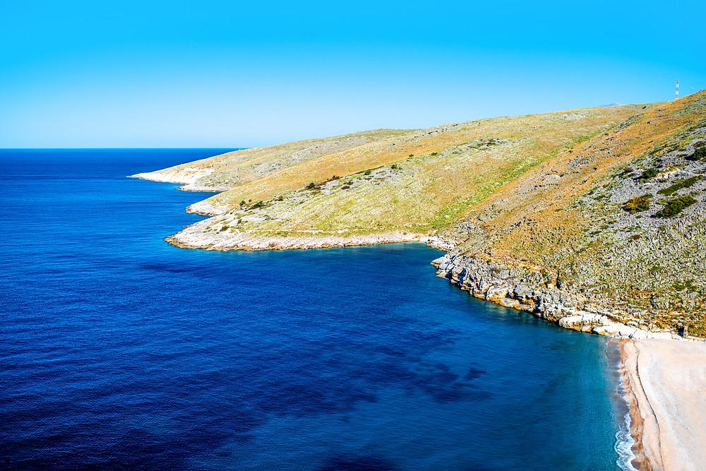 Opuštěné albánské pobřeží