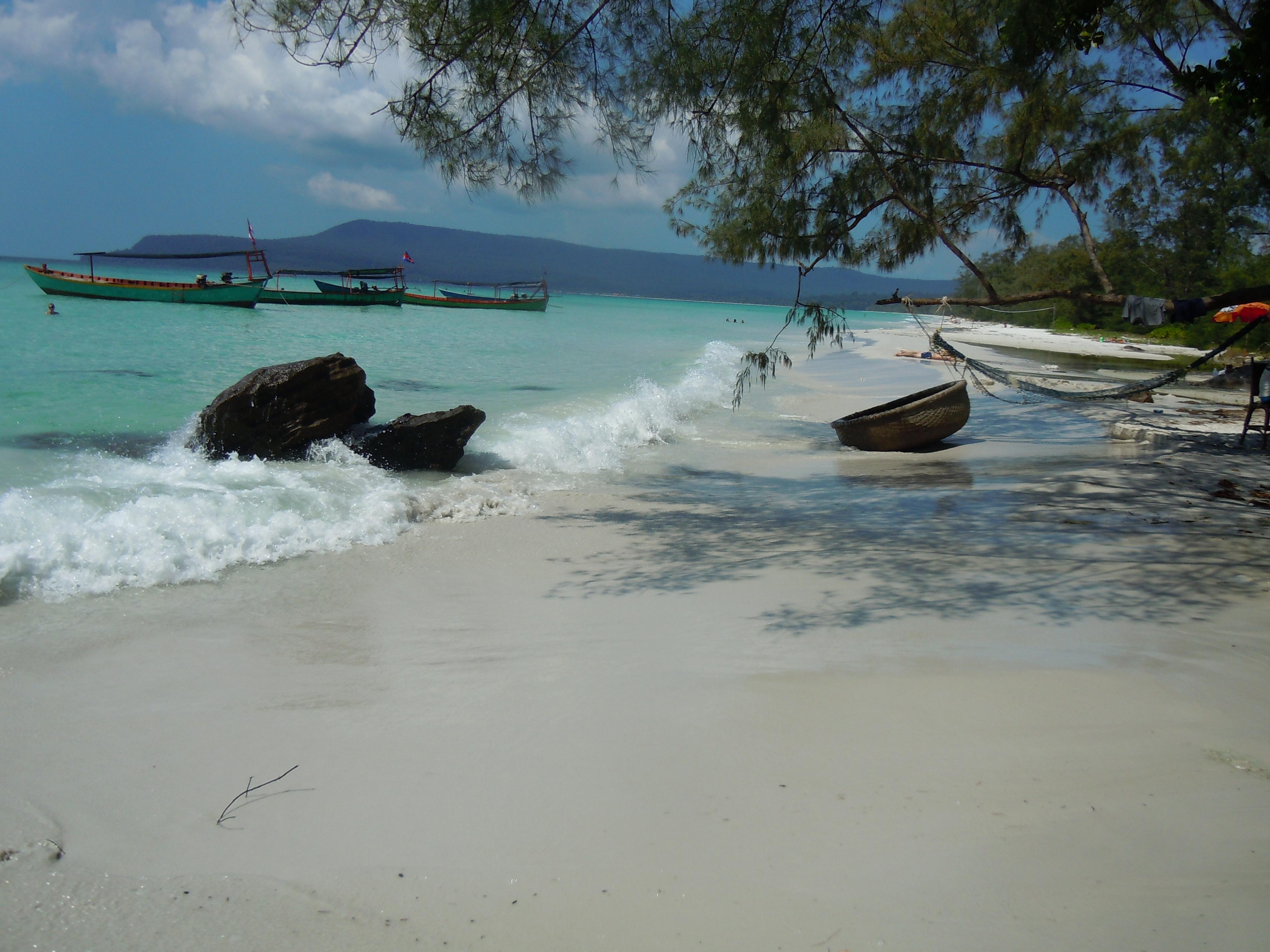 Krásná pláž na ostrově Koh Rong
