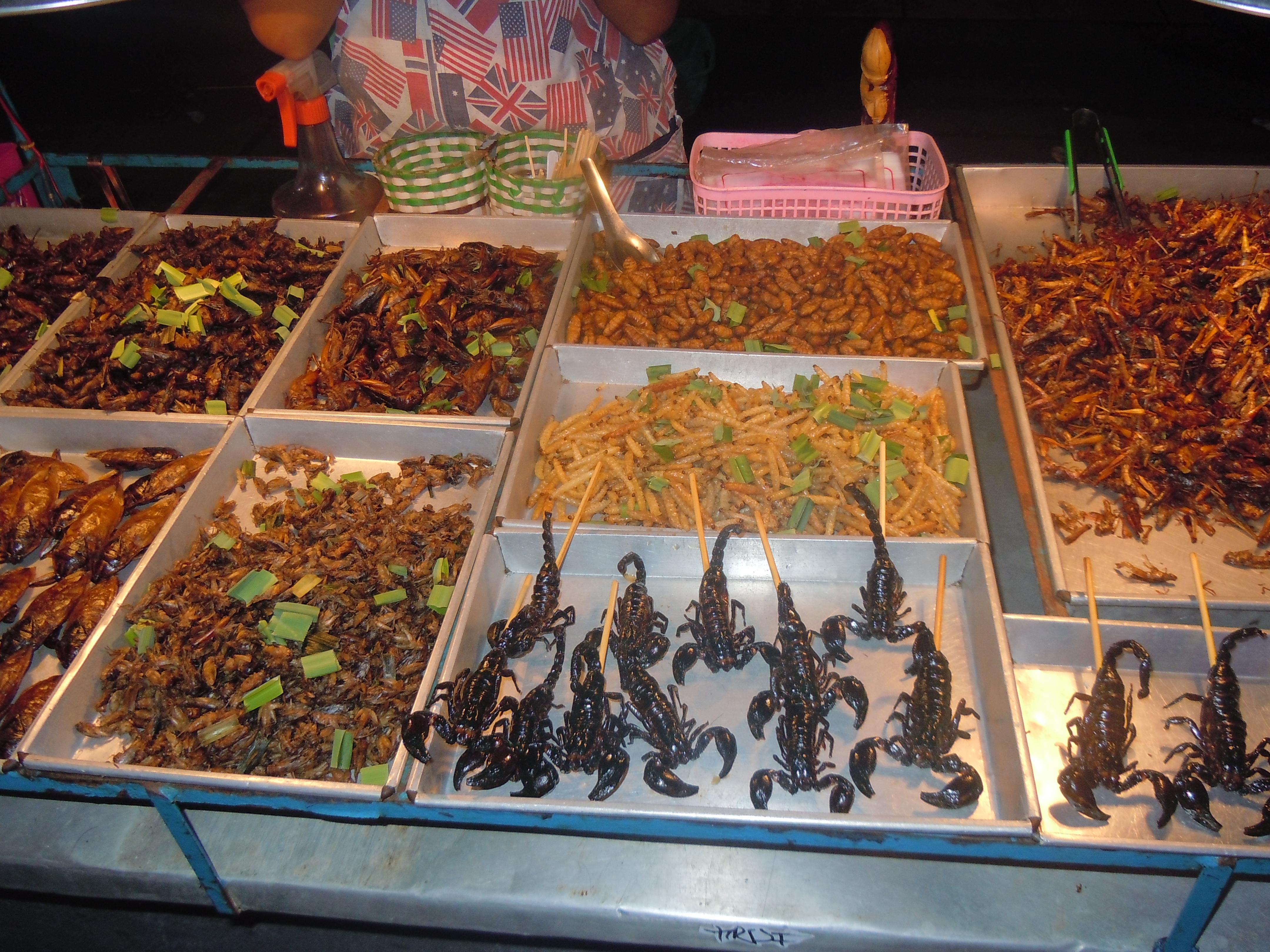 Hmyzí speciality v Phnompenhu