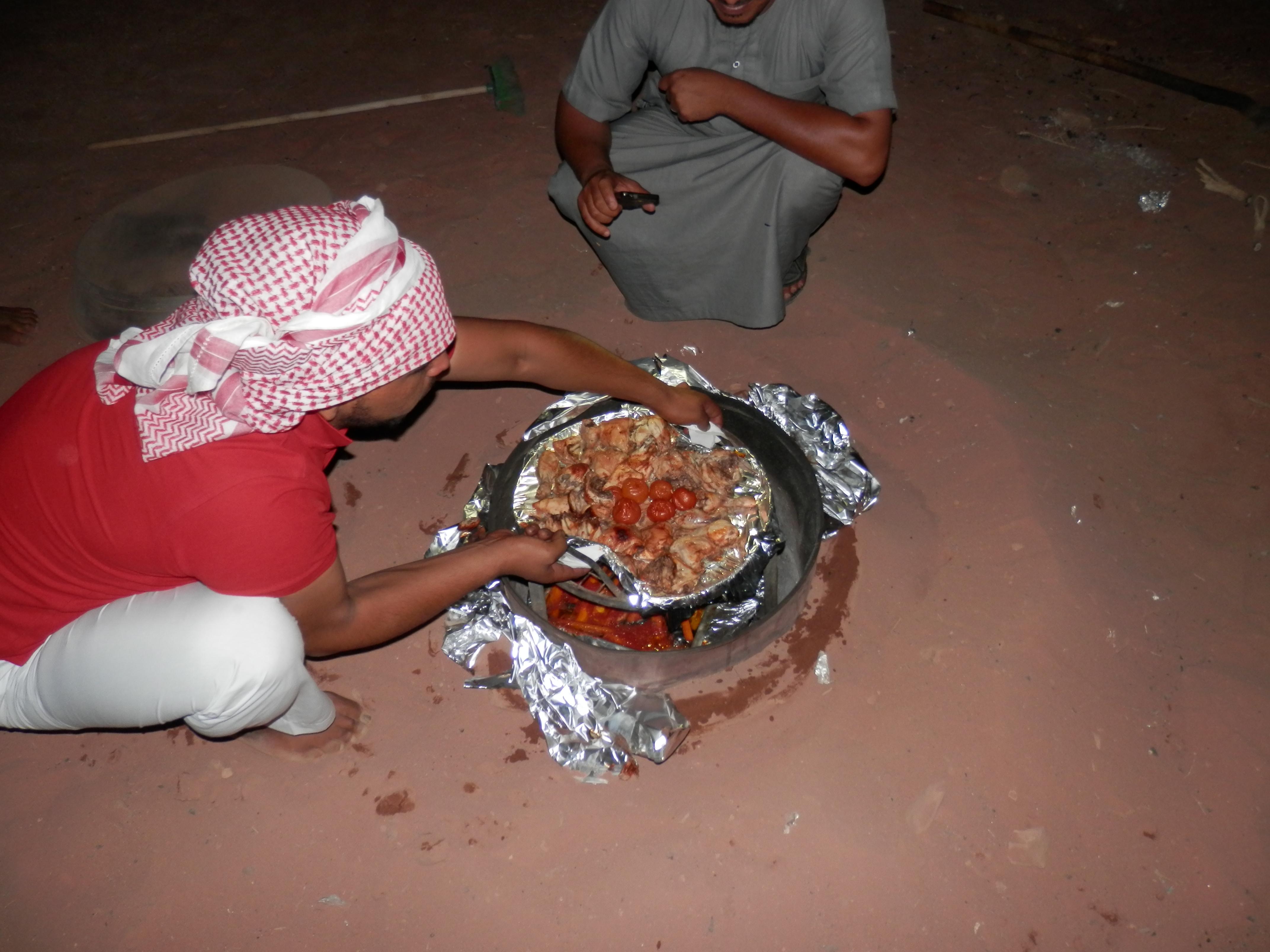 Večeře ve Wadi Rum